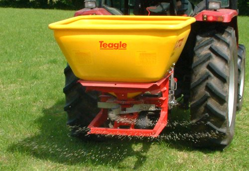 XT20 Fertilizer Spreader