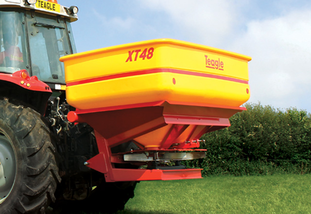 XT24 & XT48 Fertilizer Spreaders